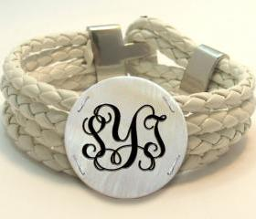 Monogram Bracelet Sea Shell with White Leather